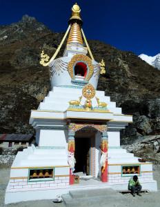 33 JP Stupa de Kyanjin Gompa