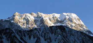 47 JP Langtang Himal à gauche Yansa Tsenji 6575m et à droite Shalbachum 6680m.