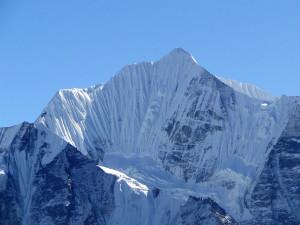 61 JP Le Ganchenpo 6387m depuis le sommet du Tsergo (2)